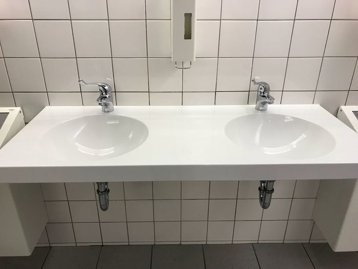 Faucets On Sinks In Bathroom