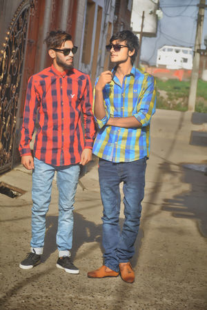 Emsons studios by zaib ranjha Hangony Togetherness Standing Adult Chill Mode:) Outdoors Artist From My Point Of View Rap&hiphop