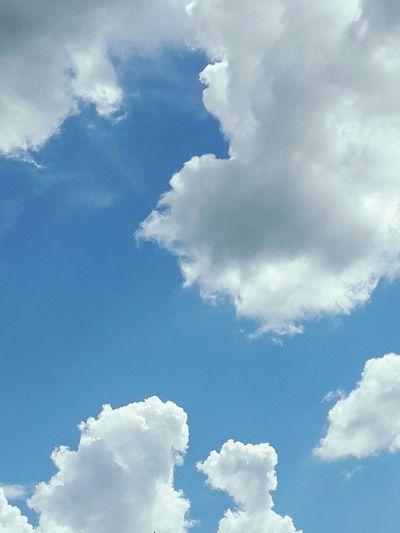 Flying Blue Cloud Computing Pattern Sunny Spirituality Cloudscape Sky Cloud - Sky EyeEmNewHere