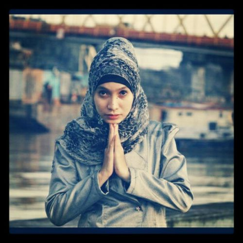 You Girl Instagram Instadialy Instasia instandroid instagram_id indonesia samarinda hijab harbor bridge girl photooftheday