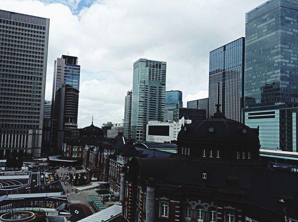 高いところから見渡す景色っていつ見ても気分を爽快にしてくれる。これで高層ビル群がなかったら最高なんだけどなぁ。