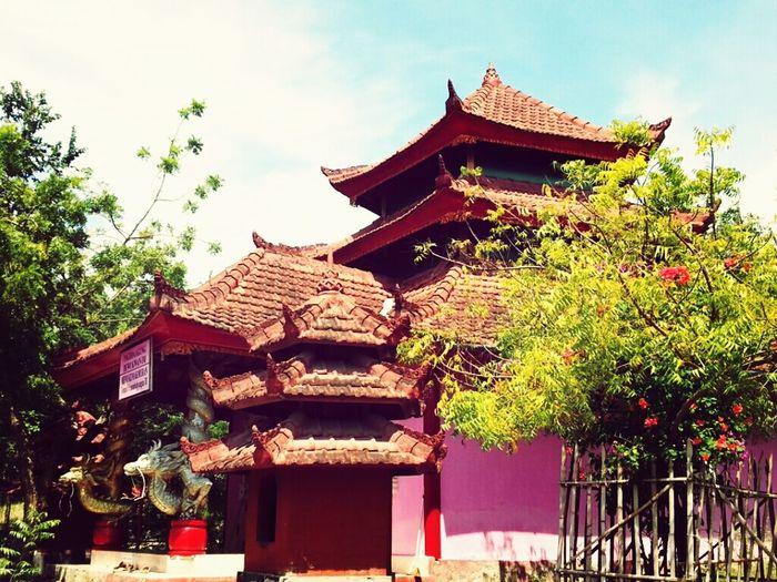 pagoda agung dewi kwan im - om namo siwaya amitaba Buddha Temple Bali Blessing