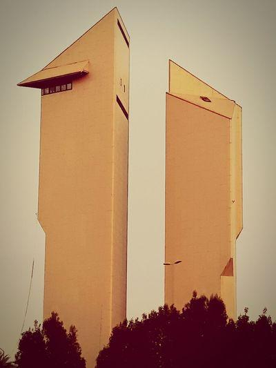 🤔 Sky Architecture Building Exterior Built Structure Close-up