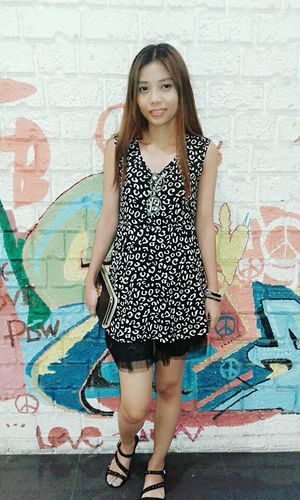 Hello World Check This Out Ootd Graffiti Wall Graffiti Mididress Animalprint Casualstyle Smart Simplicity No Makeup Simple Beauty
