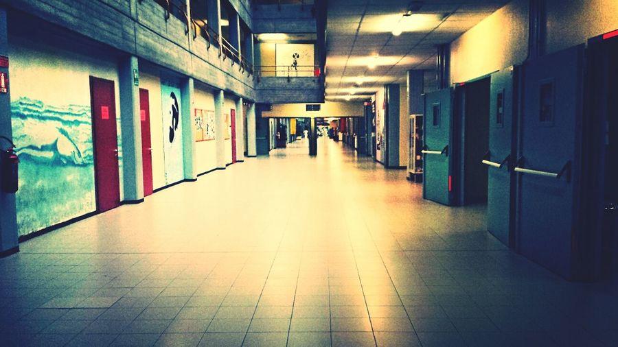 scuola deserta... Schoolflow  Afterschool  Lonely
