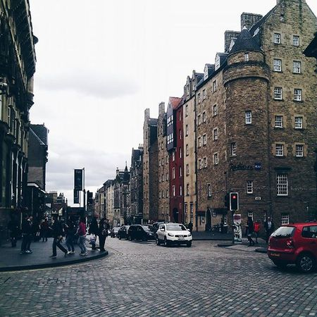 Trowbackthursday TBT  to Edimburgh and a part of the royal mile. IgersEdinburgh Igersscot IgersScotland Insta_Scotland Instascotland Vscocam VSCO Vscotland VisitScotland Explorescotland Instagood Latergram Ig_Scotland Architeture