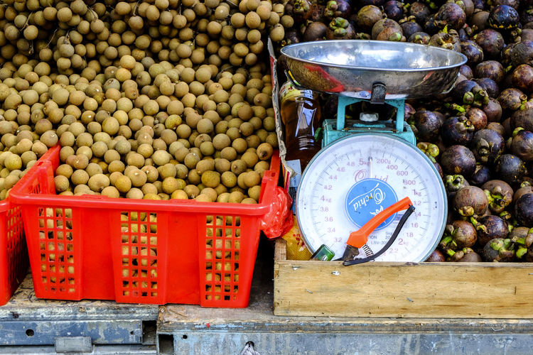 Weight scale with fruits in market