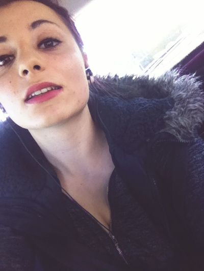 Instagram : louloute.1999 Love Rougealevres Music Tresse Cool Young 16years Girl
