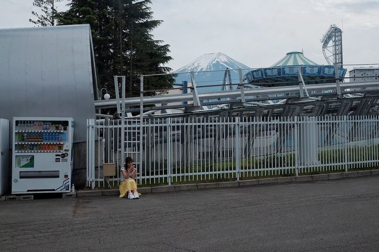 Amusement Park Streetphotography Women Volcano Yellow Everydayeverywhere FilipinoStreetPhotographers Japan Mt. Fuji Built Structure Sky Architecture Men Day Nature Fence One Person