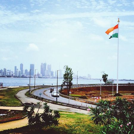 Battle Of The Cities Mumbai Bandra Worli Sea Link National Flag MyIndia Nature Photography Beginnerphotographer plzz let me know how good i am going.!!