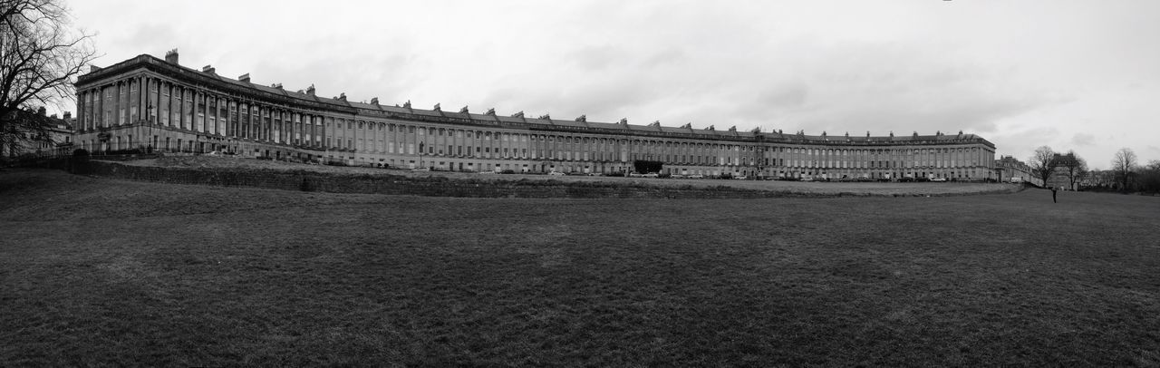 The Royal Crescent, Bath. World Heritage Georgian Architecture World Famous Historical Building Streetphotography History City Of Bath Southwest Is Best Southwest  England Urban Here Belongs To Me Georgian Architecture The Architect - 2016 EyeEm Awards