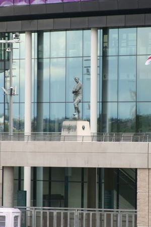 Sir Bobby Moore Legend Winner Captain England Hammers Worldcup 1966 Streamzoofamily Photography Statue