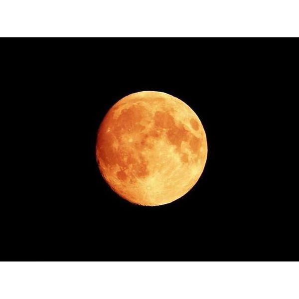,,Engel können fliegen.``, sagte sie und sprang.👼✨🌙 Mondfinsternis Blutmond London Nikonl840 280915❤ Picoftheday Photooftheday