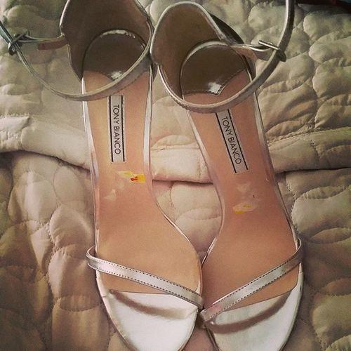 Classic heels tonight ...you cant go past a simple style like these @tonybianco Tonybianco Girlsnightout