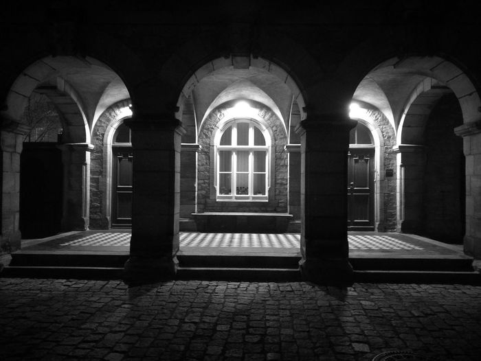 Architecture Black And White Huawai P9 HuaweiP9 Black & White Huawei P9 Leica Huaweiphotography Germany Architecture Monument Window Wall