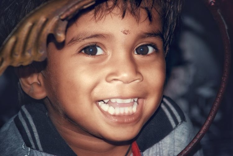 hello holla namaste salam this is ur AG featuring a new post hope u ll like it Looking At Camera Happiness Portrait Child Smiling Headshot One Person Cheerful Human Face Close-up Childhood Casual Clothing Boys Looking At Camera One Boy Only Children Only EyeEmNewHere Be. Ready.