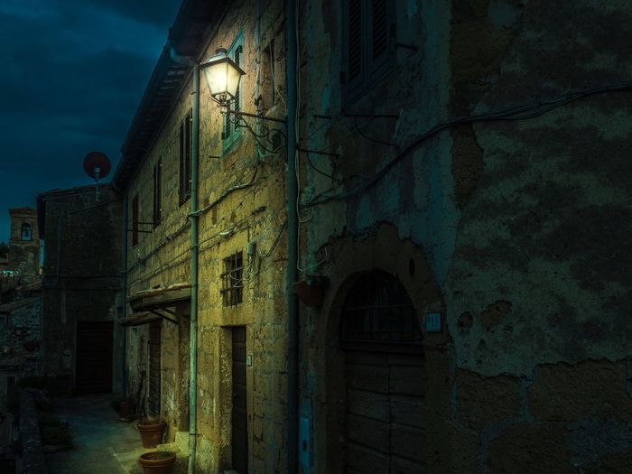 Toscana Lowlight ArtWork Composition Built Structure Architecture Building Exterior No People Outdoors Travel Destinations Light And Shadow Light Olympus OM-D E-M5 Mk.II The Street Photographer - 2017 EyeEm Awards