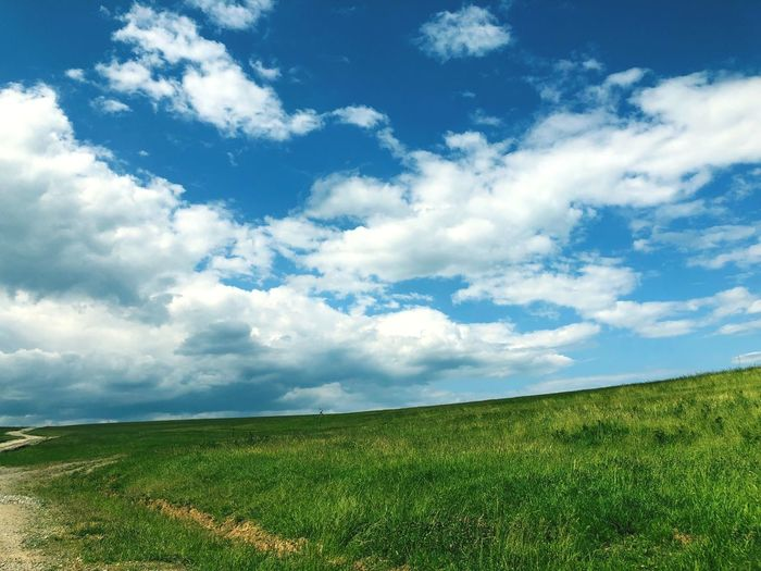 On The Road Road Adventure Windows Wallpaper Beautiful Cloud - Sky Sky Beauty In Nature Plant Grass Land Field Green Color Landscape Nature Day Outdoors #FREIHEITBERLIN The Great Outdoors - 2018 EyeEm Awards The Traveler - 2018 EyeEm Awards The Creative - 2018 EyeEm Awards