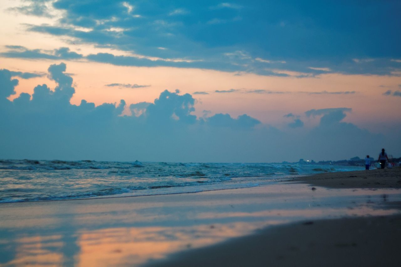 sea, sky, nature, scenics, beach, sunset, beauty in nature, water, tranquility, horizon over water, tranquil scene, cloud - sky, outdoors, wave, no people, day