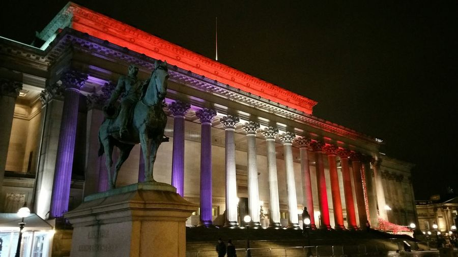 This is what St George's Hall currently looks like. The tragedy in Paris has prompted this tribute Liverpool, England St George's Hall French Flag Nightphotography Night Lights