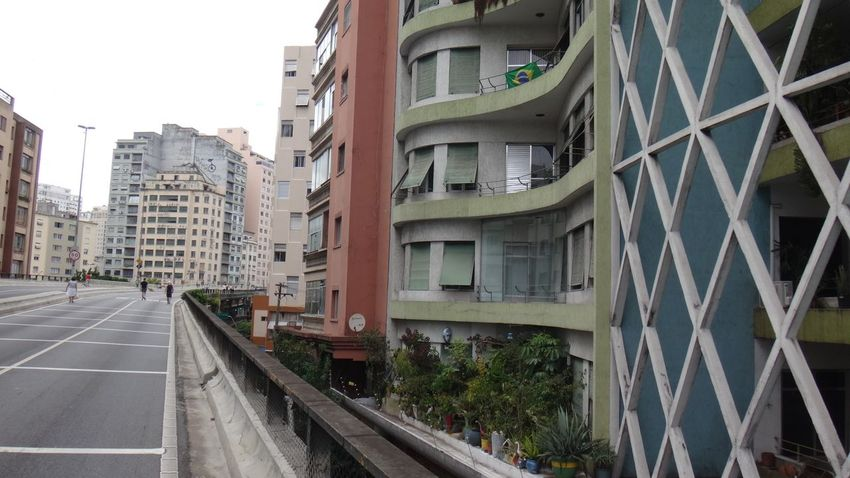 ELEVADO MINHOCAO SAO PAULO BRAZIL MARCH 2016 Architecture Building Building Exterior Built Structure Car City City Life Clear Sky Day Diminishing Perspective EyeEm Team Incidental People Modern Office Building Residential Building Road Sky Skyscraper Street The Way Forward Transportation