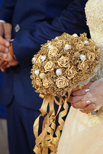 Wedding Photography Wedding Day Gold Colored Bouquet Happy :) Love Is In The Air Love♥ Close-up Crazy