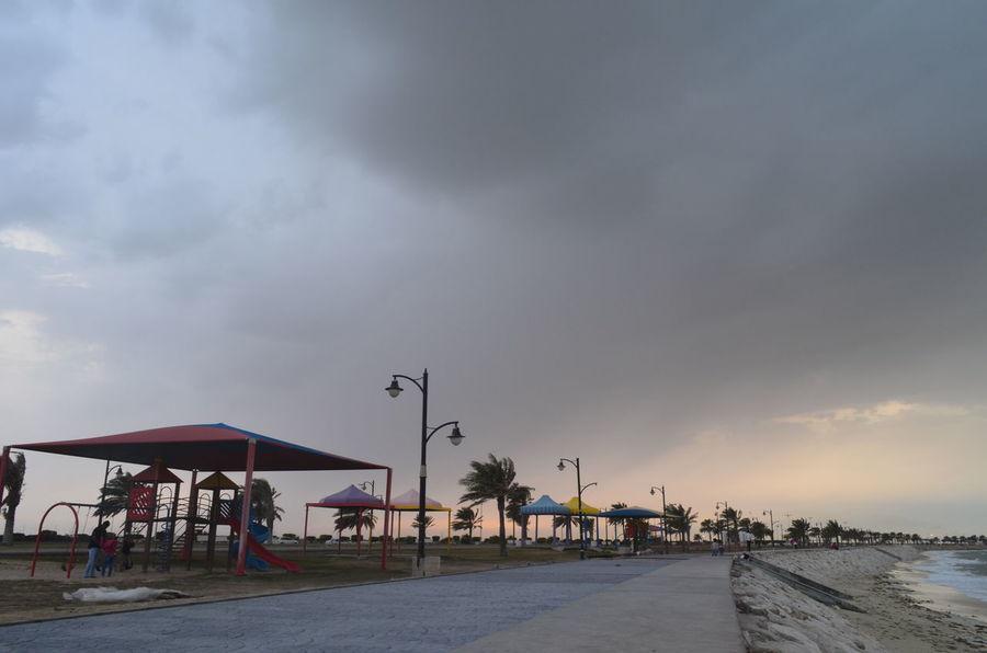 ﻻ ﺃﺭﻏﺐ ﺑﺎﻟﻜﺜﻴﺮ ، ﺃﺭﻳﺪ ﺭﺅﻳﺘﻚ ﻭ ﺍﻟﺠﻠﻮﺱ ﺑﺠﺎﻧﺒﻚ ﻓﻘﻂ ... Ad Dammam, Al Khobar Rany Day RASTUNORAH Sky Sky And Clouds Weekend