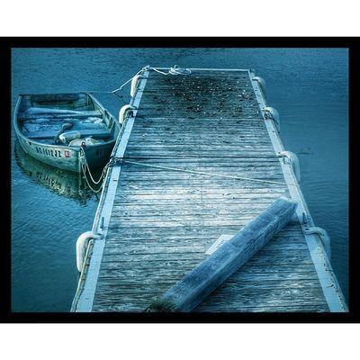 Waiting! Inastateofsunday Dailywalk with @dizbosphotos Fishing Fishingboats Endofwinter Longislandphotographers Longislandinstagram Eastend PureInstagram Nodslrcamera Textures Harbor Olddock Samsunggalaxy5 Longisland