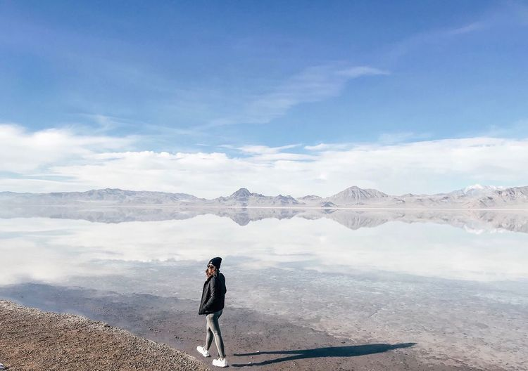 One Person Sky Cloud - Sky Day Lifestyles Real People Nature Beauty In Nature Standing Leisure Activity Scenics - Nature Full Length Non-urban Scene Sunlight Outdoors Women Tranquil Scene Tranquility Water