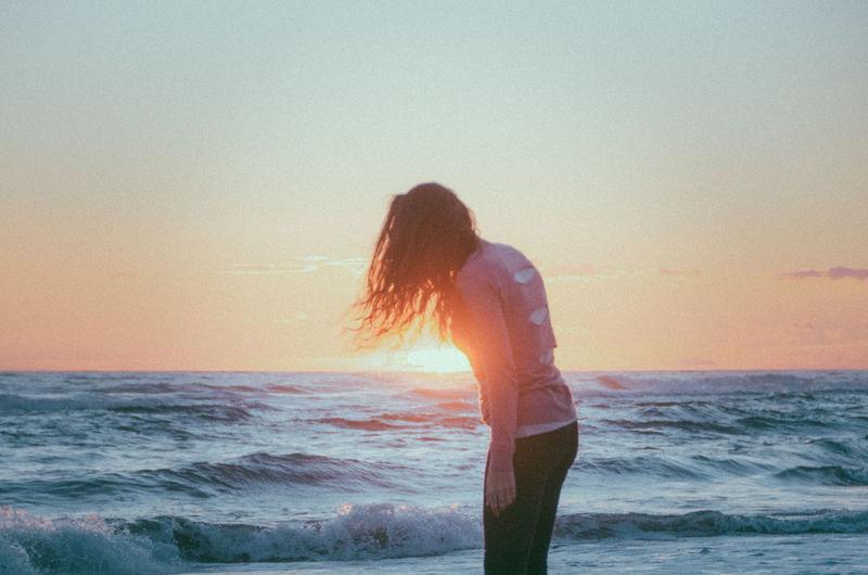 Beach Sunset Sun Woman Light Summer Calm Ocean Ocean View Movement Hair Girl Sky Colors Colorful