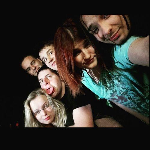 mindent elarul a kep az estenkrol 😂😖👍👌 @barbarafeiler Jovoltal Osztalykirandulas Schooltrip Drink Drank Drunk LOL Lel Happy Friends Party Afternine Mik Hungary