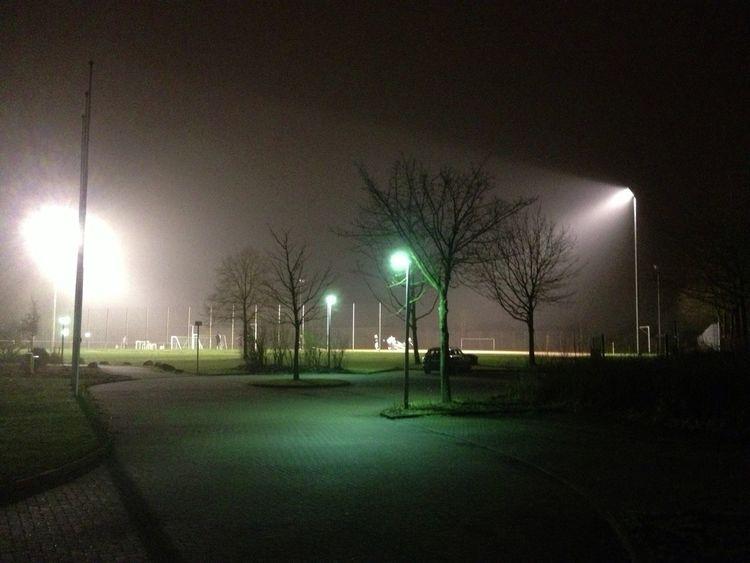 Sportplatz im Dunst IPhoneography IPhone4s