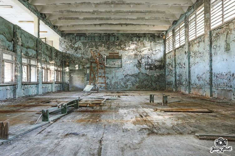 Travelaroundtheworld Traveling Travel Likeforlike Adventures Adventure Plaidl Abandoned Buildings Abandoned Places Tschernobyl Lost Lostplaces Urbanexploring Architecture Abandoned Built Structure Indoors  Window No People Damaged Architecture