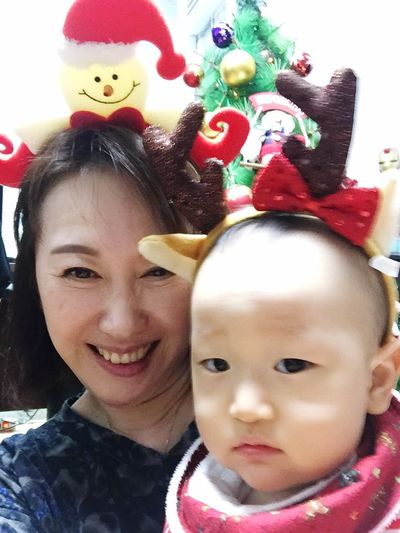 Hi! Merry Christmas~ Taking Photos With My Babe granny with grandson 💖