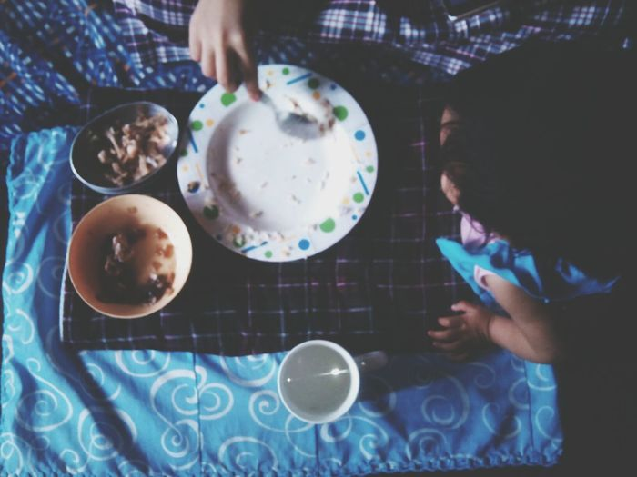 I don't think if i'm going to post this random stuff from my cousin eating with her sister on her side. Haha. 52706