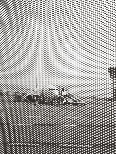 Airport Monochrome Capa Filter
