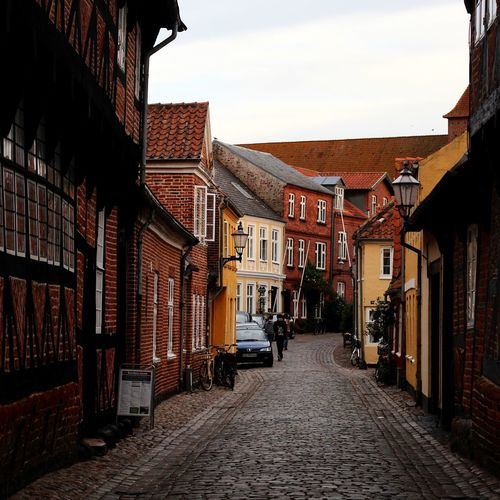 Denmark Ribe Oldtown Oldcity Architecture Crookedhouse Street Travel Destinations Outdoors EyeEm Selects The Week On EyeEm Traveling Beautifulplaces Scandinavia Built Structure Houses Oldhouses Exploring Citylife