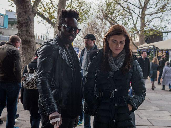Touching the frame - London, Dec 2017 EyeEmReady EyeEm Best Shots - The Streets
