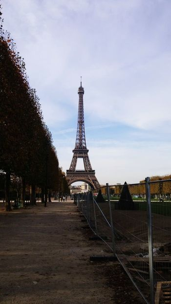 Eiffle Tower Vacations Steel Travel Destinations Metal No People Outdoors Day Sky Photooftheday Bestoftheday Popular Photos My Favorite Photo Built Structure Planet Earth From My Point Of View Urban Skyline