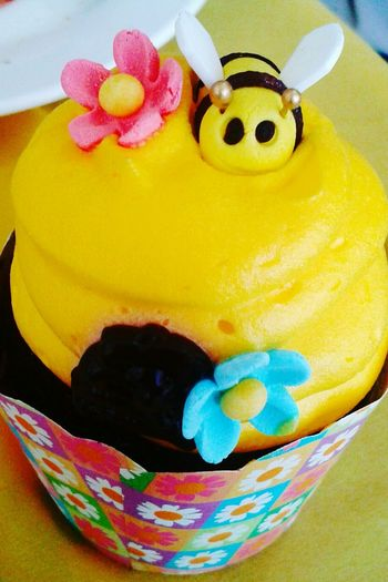 beeee teriffic!!! Beecupcake NinangDuties Thirdyschristening