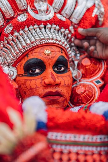 Theyyam of Kannur - Kerala / India Portraits Kannurphotos Kannur Kerala, India Rite Tradition Festival Indiaclicks Theyyams Of Kannur Theyyam Kerala Kerala India Indian Culture  Indian India PortraitPhotography Portrait Portrait Photography Portrait Of A Man  Human Representation Representation Spirituality Religion Art And Craft Belief Close-up Male Likeness Place Of Worship Craft Red