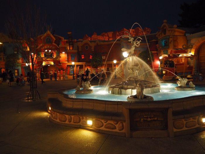 I went to Tokyodisneyland Disneyland with MyBestie . Fun Toontown Tokyo Japan Attraction Water Micky Mouse Ilovedisney Enjoying Life Frozen EyeEm Best Shots Eye4photography  Taking Photos Springvacation Come 😚