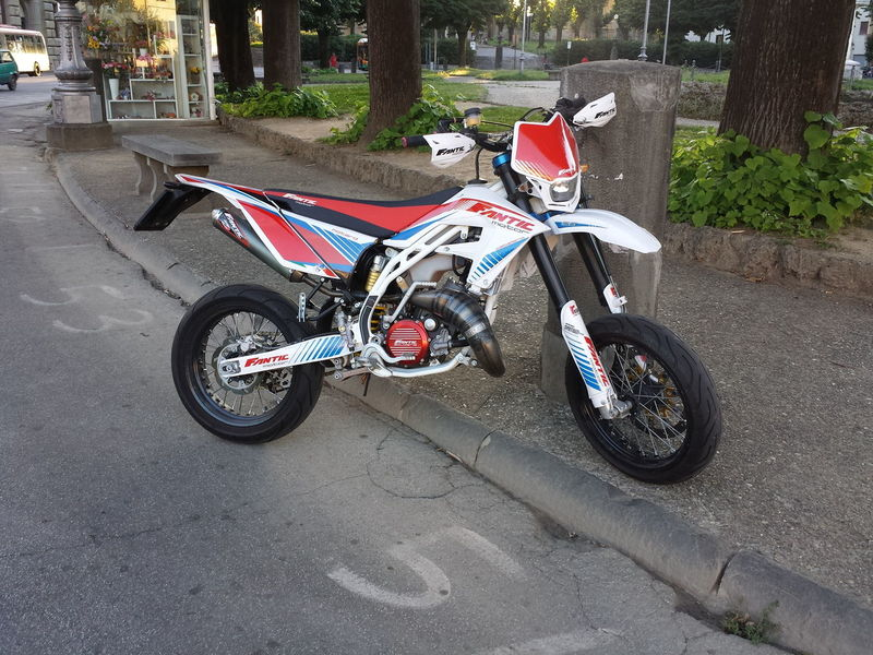 Motorbike Supermotard