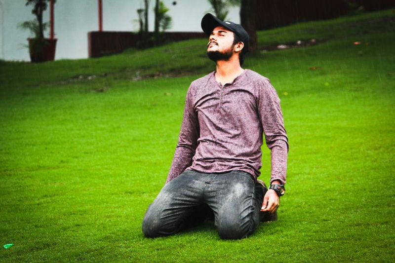 #rain #grass Men Innovation Relaxation Beard Grass Green Color Macho Masculinity Posing Thoughtful