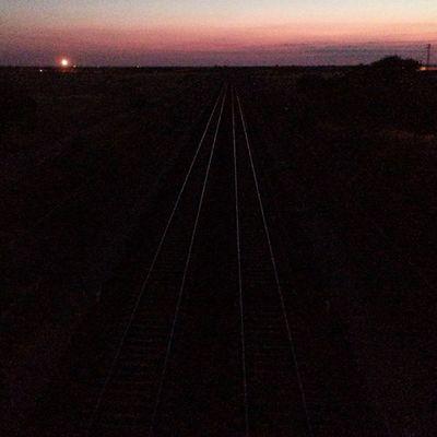 Tren Vía Ferrocarril Vino Wine . Camino despejado y listo para una nueva edición del Wineuptour