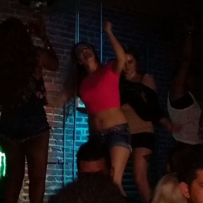 They all on the bar lol?? @pebs_pure_romance the things chicks do for shots