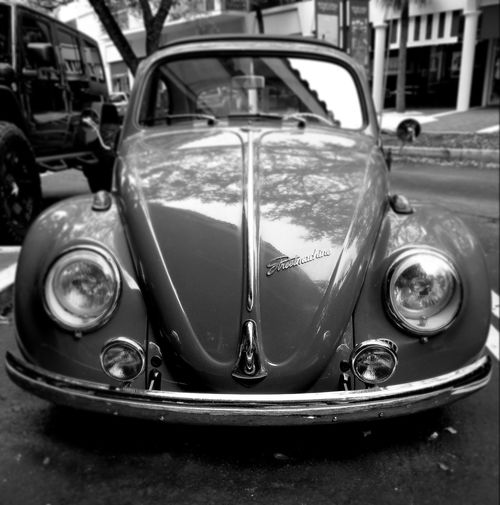 Car Transportation Vintage Car Retro Styled Blackandwhite Black And White Blckandwhite Black And White Photography The Photojournalist - 2017 EyeEm Awards Vintage Land Vehicle Old-fashioned Headlight Mode Of Transport Collector's Car Day Outdoors Close-up No People