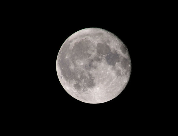 Moon Night Astronomy Full Moon Moon Surface Planetary Moon Beauty In Nature Majestic Nature Tranquility Scenics Idyllic Tranquil Scene No People Space Space Exploration Outdoors Exploration Low Angle View Moonlight Sky Skylovers Nightphotography Night Lights Nightshot