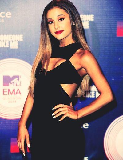 Ariana Grande Arianator MadridNeedsTheHoneyMoonTour Ariana Grande ♥