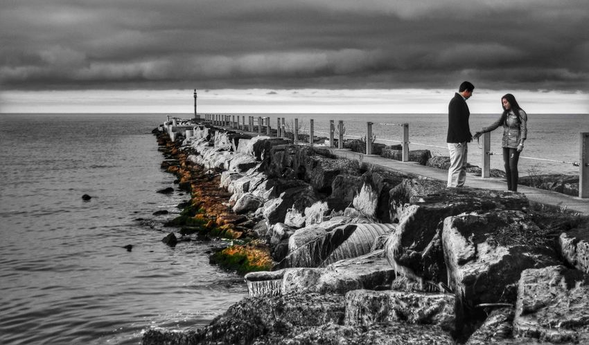 Helping hand Vanishing Point Colorsplash Winter Grey Water_collection